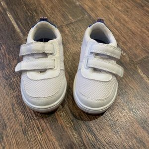 GYMBOREE White Baby Boy Sneakers size 5